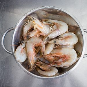 how to peel prawns like a pro